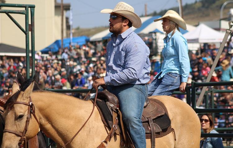rodeo crowd shot.jpg
