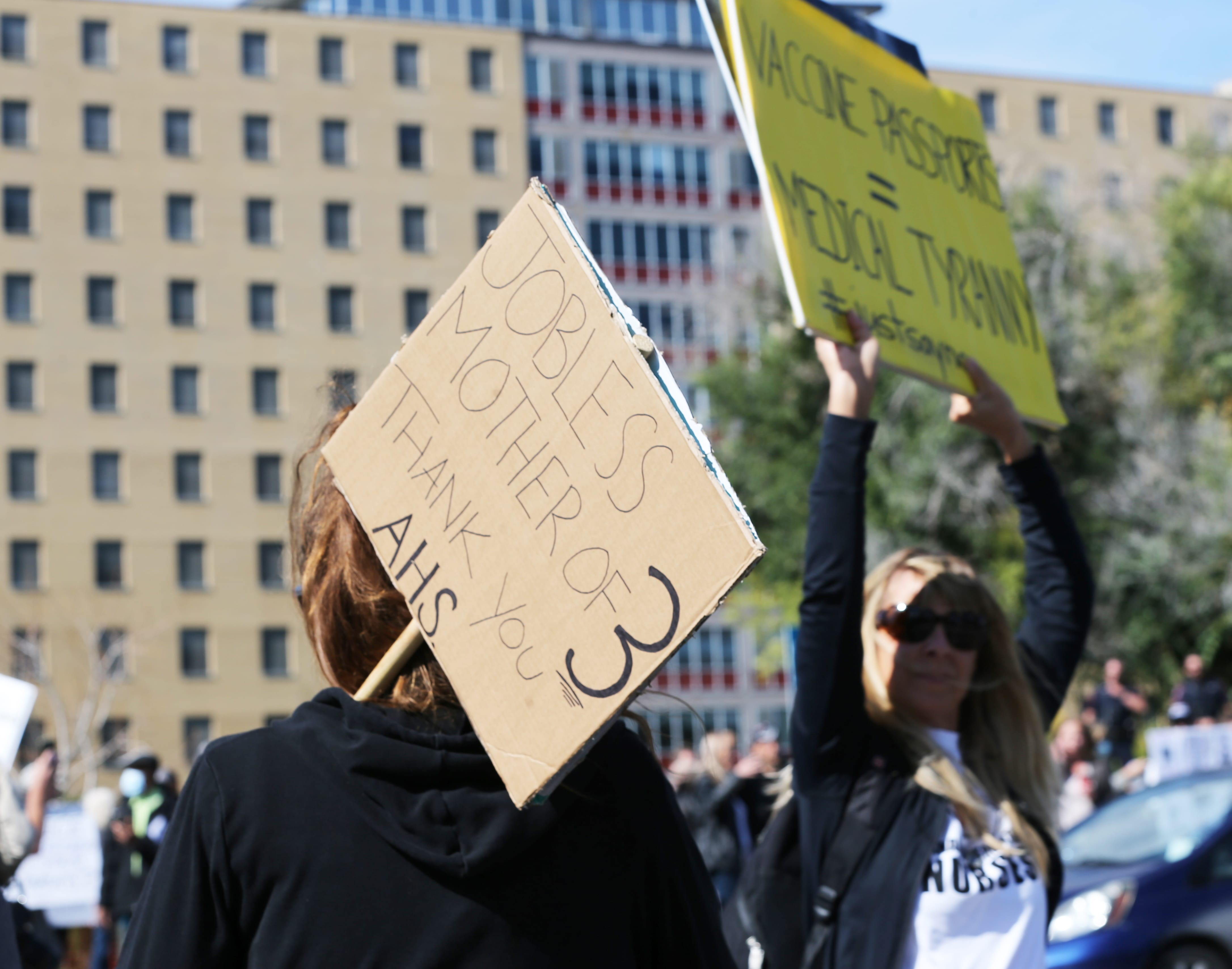 Silent Vigil against COVID-19 measures calgary alberta 13 09 2021 642-min.jpg