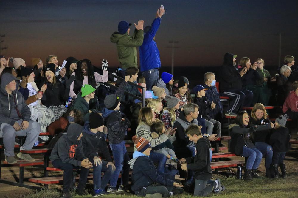Rosetown fans cheer after kick return to score!