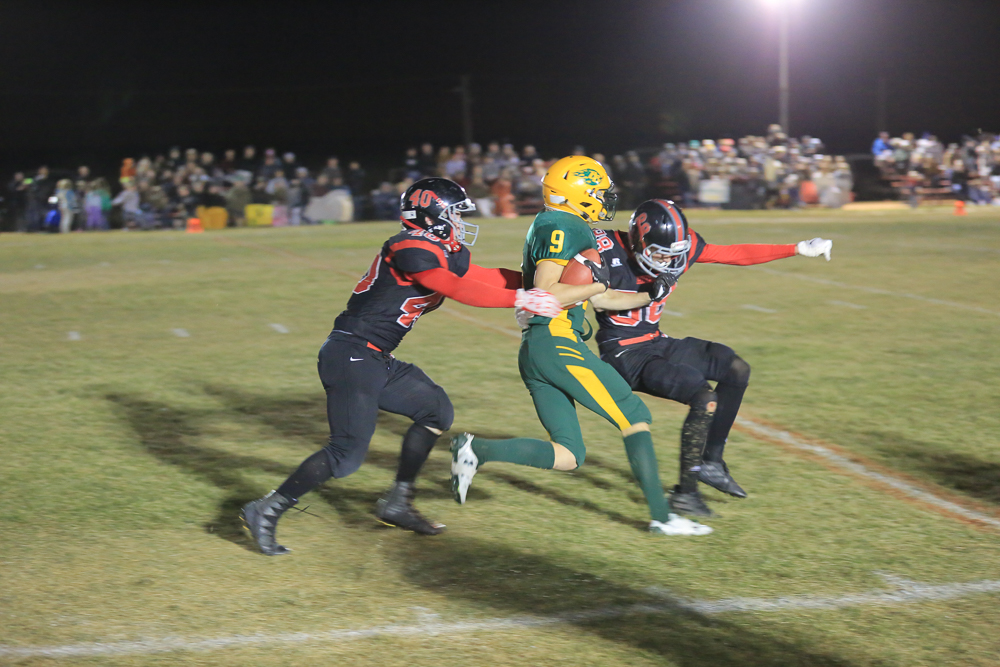 Blazers Meszaros fights for more yards 100821